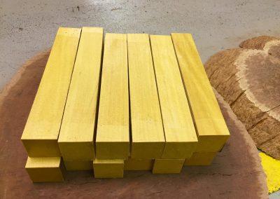 Pau Amarello 50x50x305 mm