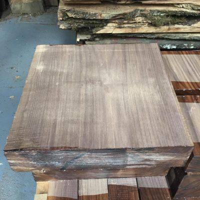 American Walnut 13.5x13.5x3 inches (350x350x75 mm)