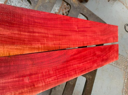 Curly Pink Ivory fretboard 570x70x9 mm