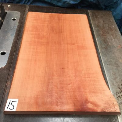 Pearwood 520x320x25-30mm