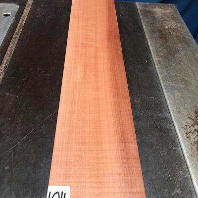 Pearwood 860x135x28-32 mm