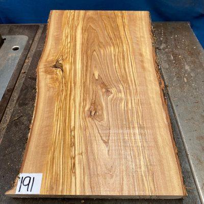 Mediterranean Olivewood Board 470x270x29 mm