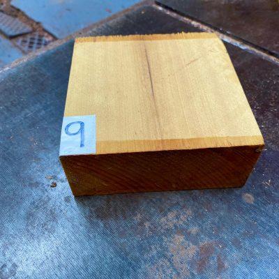 Pau Amarello 5x5x2 inches