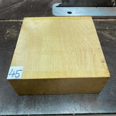 Pau Amarello 8x8x3 inches